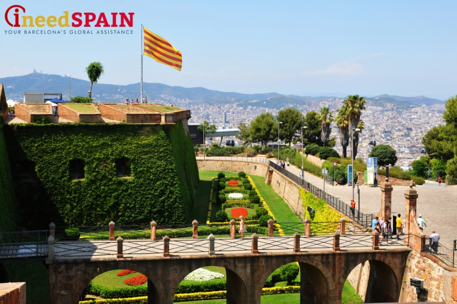 How to reach Montjuic castle in Barcelona